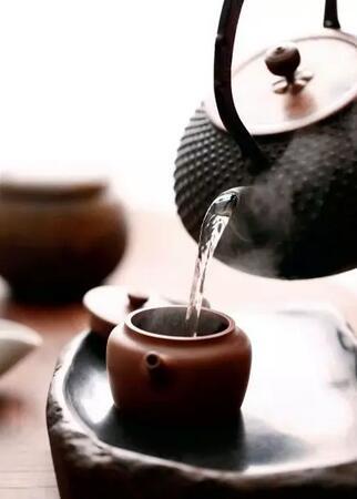 好茶汤配好器皿,茶的秉性与冲泡的艺术,才是成就一道好茶汤的关键!