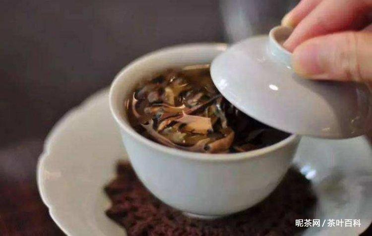 泡茶水温的高低与茶的老嫩、条形关系,各种茶泡茶水温和时间讲解!
