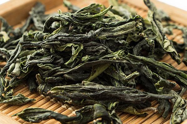 安吉白茶和六安瓜片哪种贵(安吉白茶和六安瓜片口感区别)