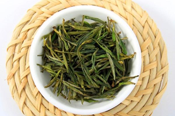 黄山毛峰泡茶方法(黄山毛峰茶叶上有白色绒毛怎么回事)