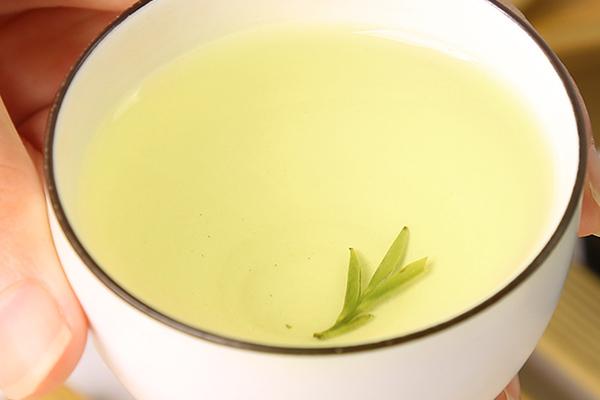 黄山毛峰泡茶水温多少度合适(盘点泡黄山毛峰的几个误区)