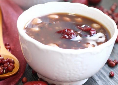 红茶粥的各种做法及功效(红茶营养具体有哪些呢?红茶粥的功效)
