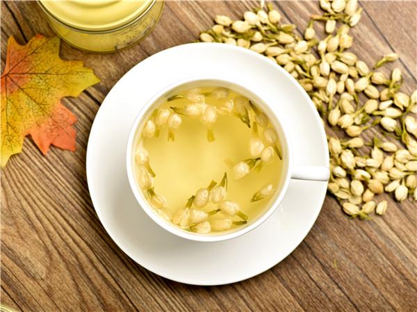 喝茉莉花茶有什么功效和作用(常见的茉莉花茶竟然有这么多功效与作用)