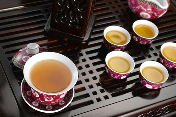 什么茶适合冬天喝养胃(冬天喝什么茶好,冬季喝茶的注意事项)