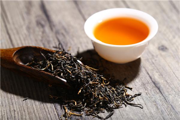 喝红茶的功效和作用(常喝红茶有什么好处)