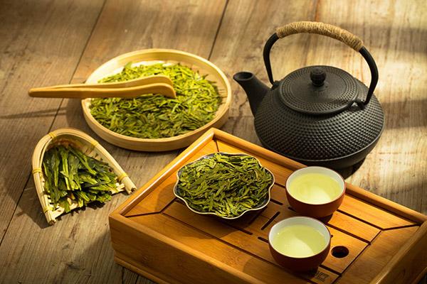 龙井茶的功效与作用(常喝龙井茶对身体有什么好处)