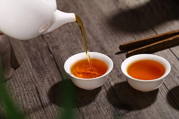 喝红茶有什么好处(红茶的功效与作用)