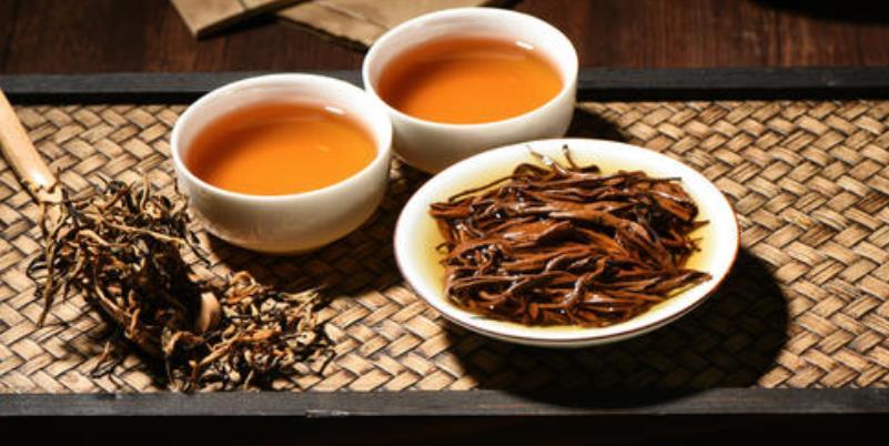 红茶怎么区分好不好(观颜色好的红茶颜色鲜亮,颜色纯正)